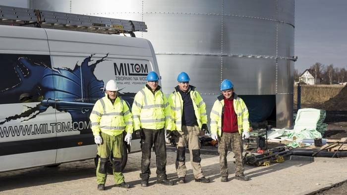 Ekipa serwisowo-budowlana dla  zbiorników przeciwpożarowych
