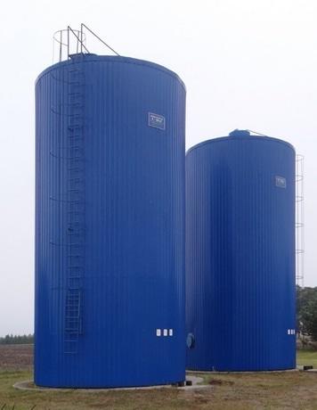zbiorniki na wodę gorącą